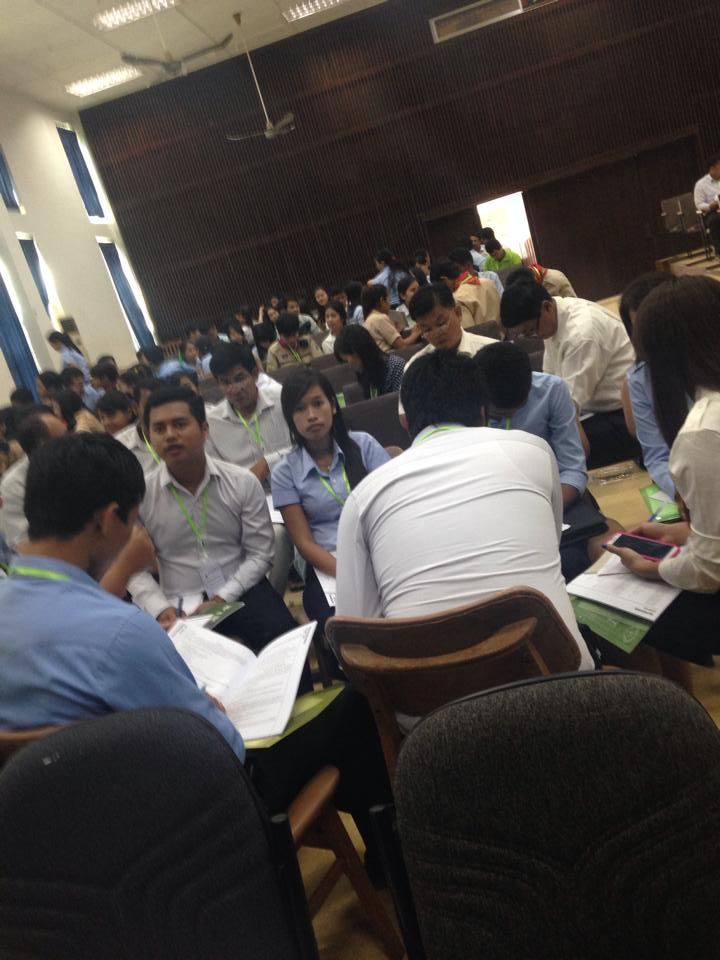 University students discussing the lesson yesterday