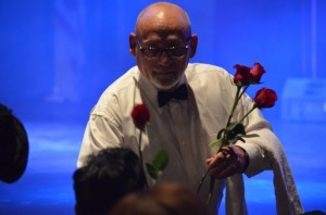 Kudos to all the GUYS who delivered roses with a special touch!