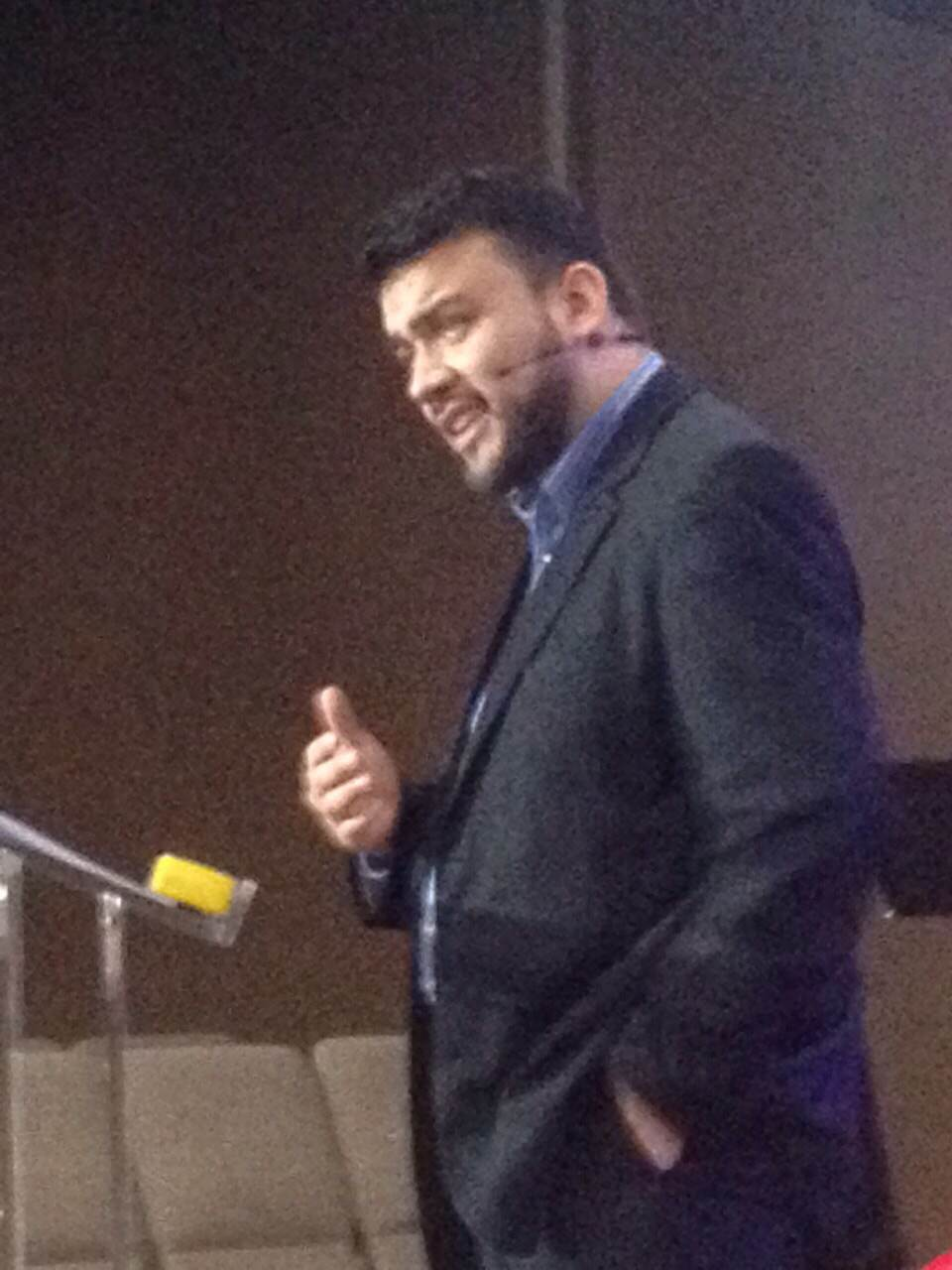 Pastor William preached the Spanish service in Blue Island