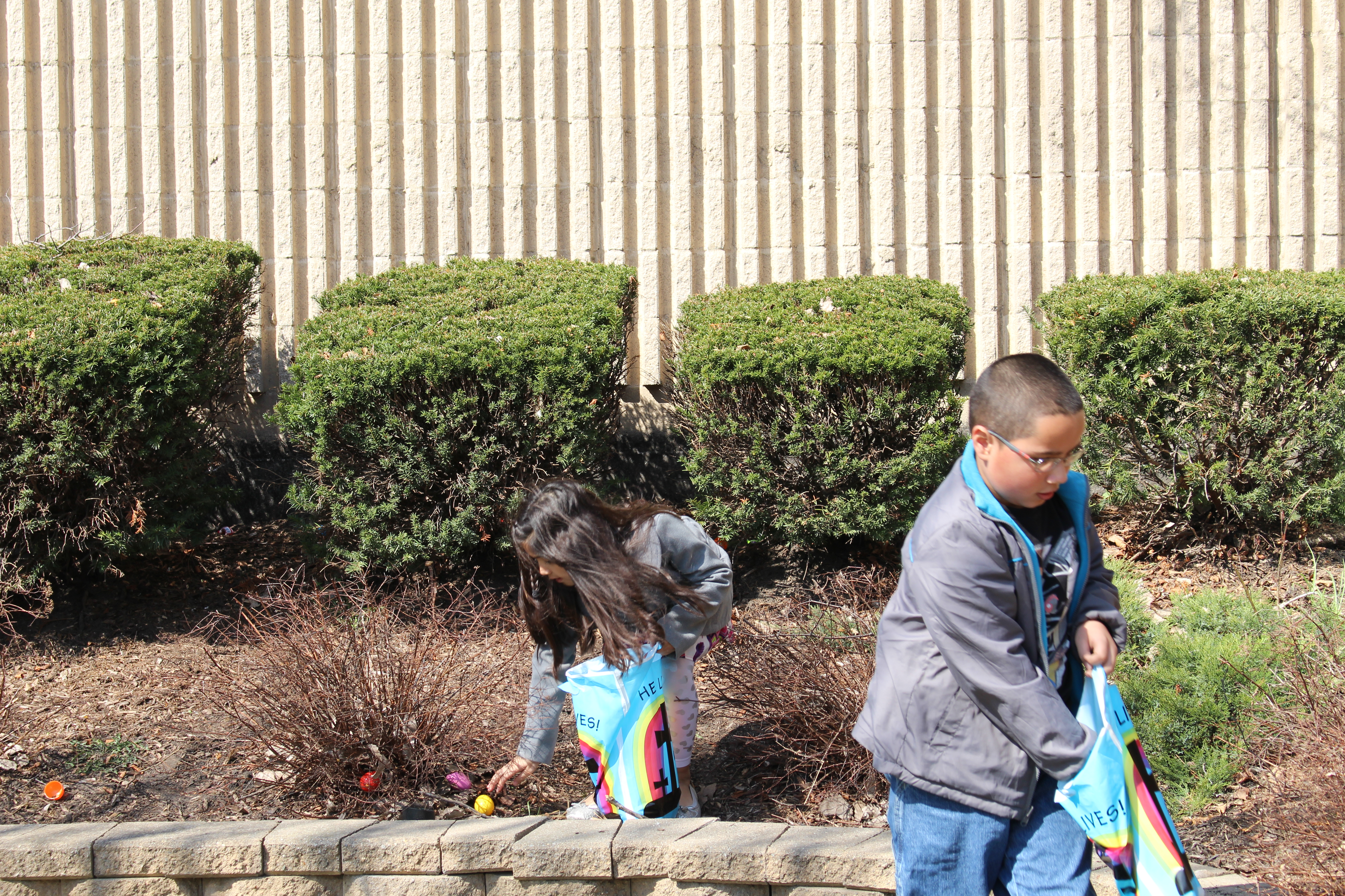 Our Blue Island KidsLife was able to take advantage of the great weather to do their Easter egg hunt outdoors-