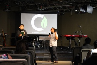 The experiment has begun: we're now doing one Bi-lingual service at 11am in Blue Island, with Pastor William preaching in Spanish & Pastor Moy translating into English today-