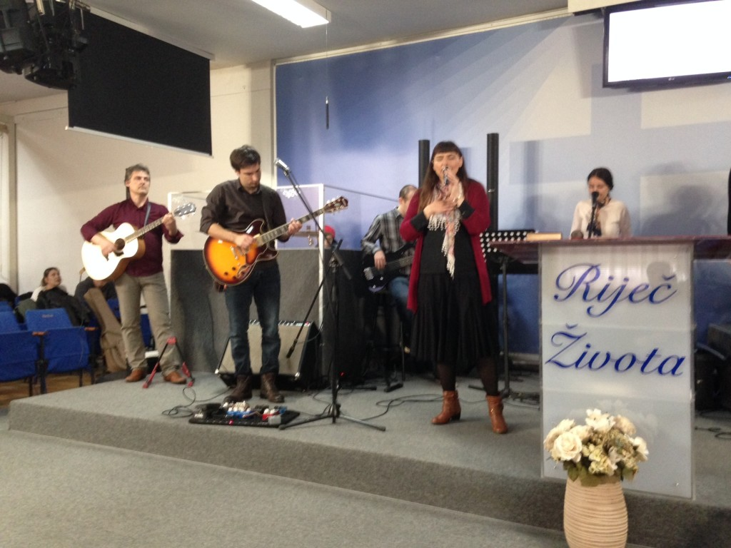 The praise band consisted of keys, 3 guitars & drums - and they were great!