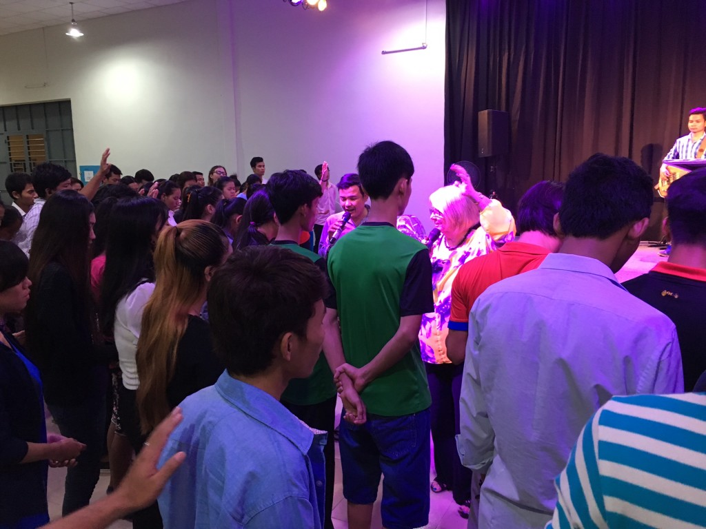 when she invited young people to come forward for prayer, I counted about 65-70 youth who rushed to the altar!