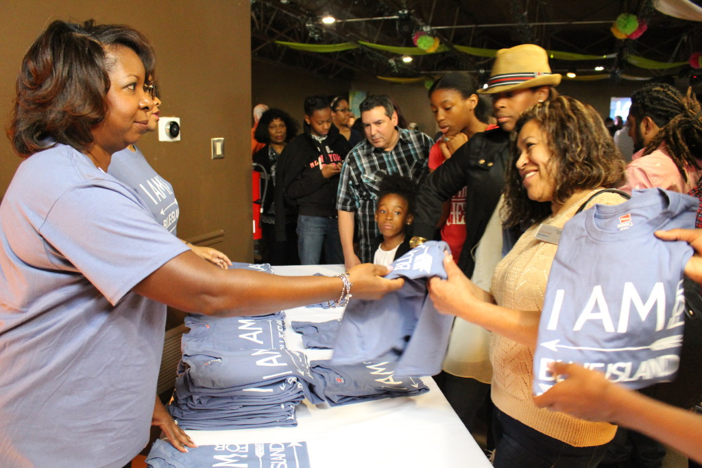 """EVERYONE wanted to get their """"I Am for Blue Island"""" t-shirt afterwards!"""