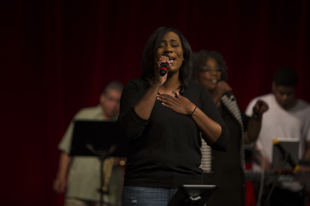 Amanda Edwards helped lead us into His Presence in Tinley Park