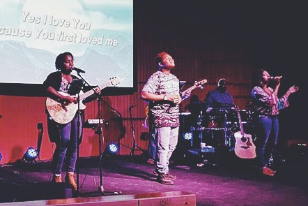 Kudos to the Praise Team at NWI, too - today led by Taneisha Aranda & Danielle Stringfellow