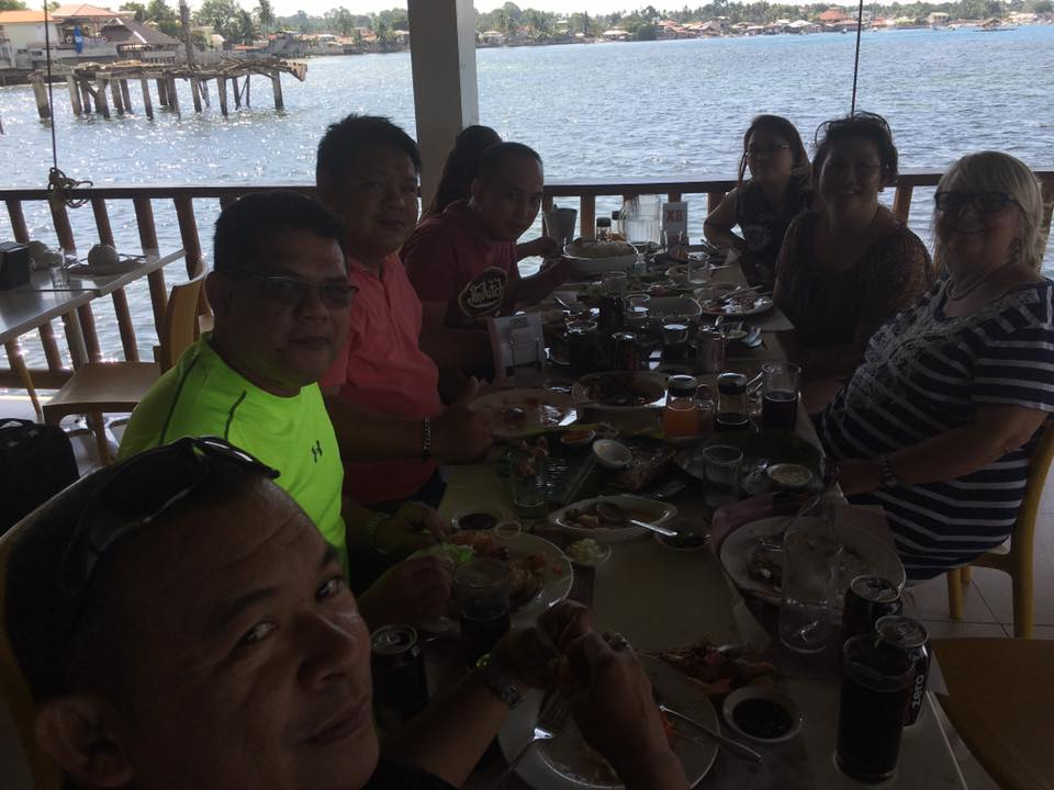 After a full morning of ministry, we had a great lunch & fellowship on the seaside with our pastor friends.