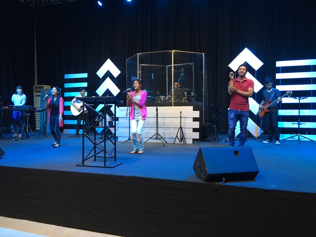 The New Life Fellowship worship team is one of the best we've experienced anywhere in the world & today was no exception - strong anointing in the House!