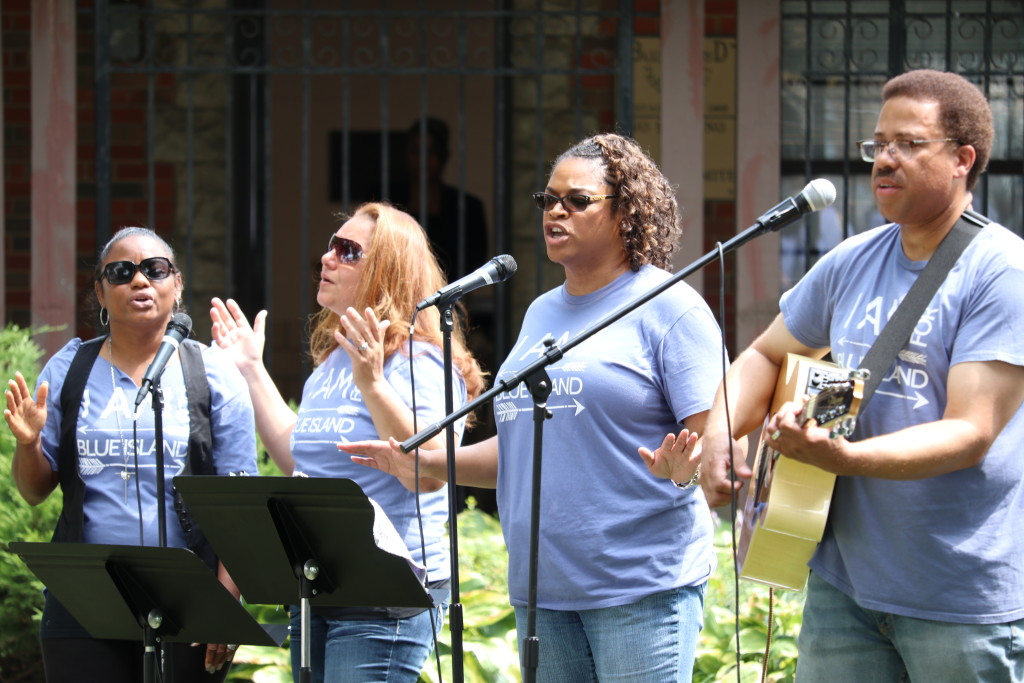 "Praise in the Park means ""praising God"" outdoors, from the worship team..."